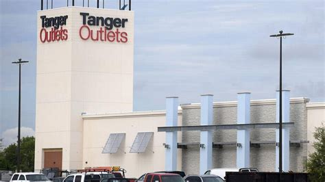 Tanger Outlets to hold job fair for new mall in north Fort