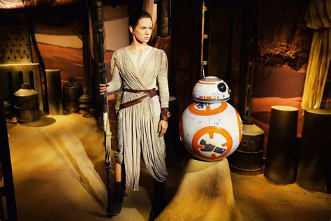Star Wars' Daisy Ridley gets her own waxwork as Rey at