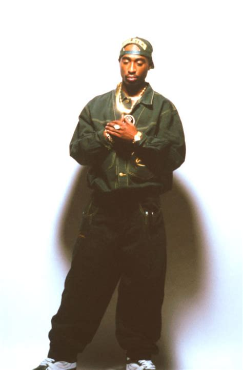 Tupac Shakur Height, Weight and Body Measurements
