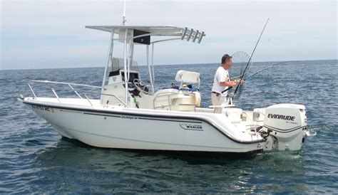 Sale Pending - 2000 18' Boston Whaler Outrage with T-Top