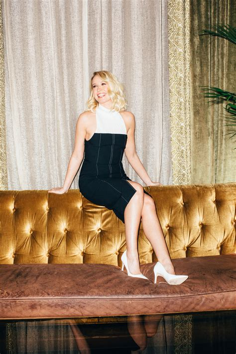 Anna Camp Talks Pitch Perfect 3, Playing Uptight Blondes