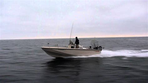 Boston Whaler Outrage 22 Running - YouTube